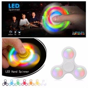 ของเล่นใหม่ ปี 2017 มือหมุนไฟ LED 3 ขา LED TRI-FIDGET SPINNERWhite