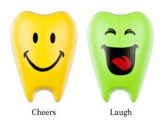 Flipper ที่ครอบแปรงสีฟัน รุ่น เชียร์ & ลาฟ สีเหลือง/เขียว (2 ชิ้น /แพค)
