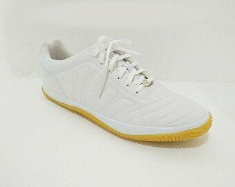 Breaker รองเท้ากีฬา รองเท้าฟุตซอล เบรกเกอร์ Breaker BK-13 สีขาว