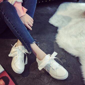 รองเท้าผ้าใบแฟชั่นหนังแก้วผูกริบบิ้น(สีขาว)