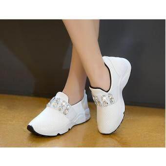 รองเท้าผ้าใบแฟชั่นสไตล์เกาหลี แบบสวมแต่งอะไหล่(สีขาว)