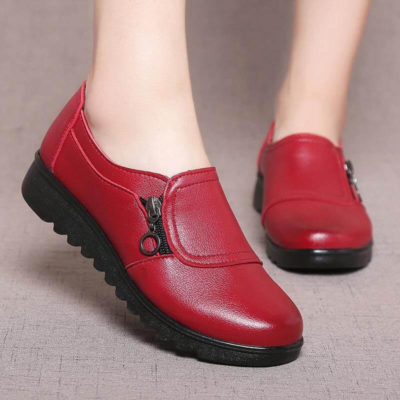 รองเท้าคัทชูหนังสุขภาพ ใส่เก็บทรงเท้า สวมง่าย หนังpvc นิ่มมาก รองรับแรงกดของน้ำหนักตัว เสริมส้นให้ดูผู้หญิงยิ่งขึ้น ( ส้นเตี้ย).