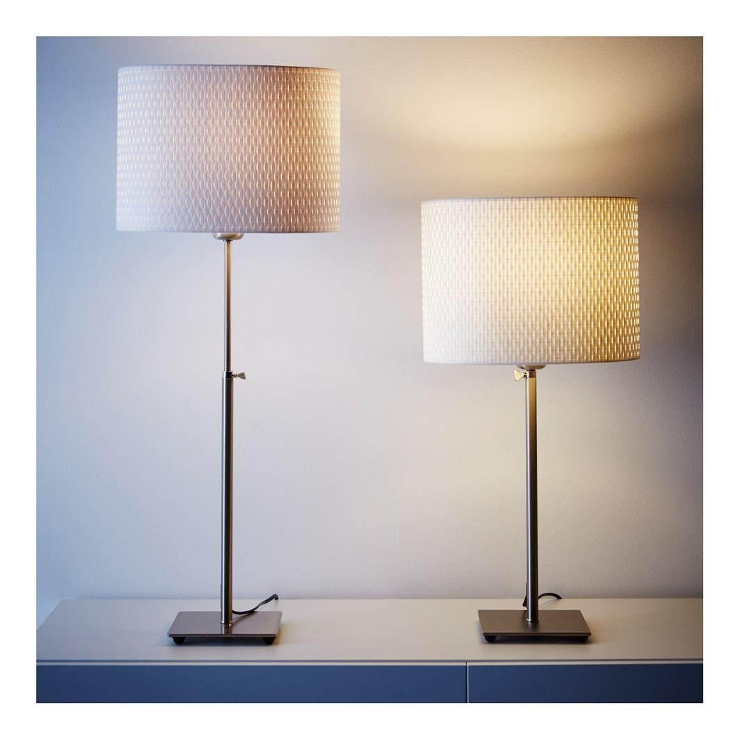 โคมไฟตั้งโต๊ะ ชุบนิกเกิล ปรับระดับควาใสูงได้ สายไฟยาวถึง 206 ซม By Home Decor Shop.