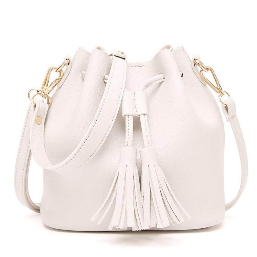 กระเป๋าเป้สะพายหลัง นักเรียน ผู้หญิง วัยรุ่น จันทบุรี CMC กระเป๋าผ้าสะพายข้างlive travel รุ่น B 6