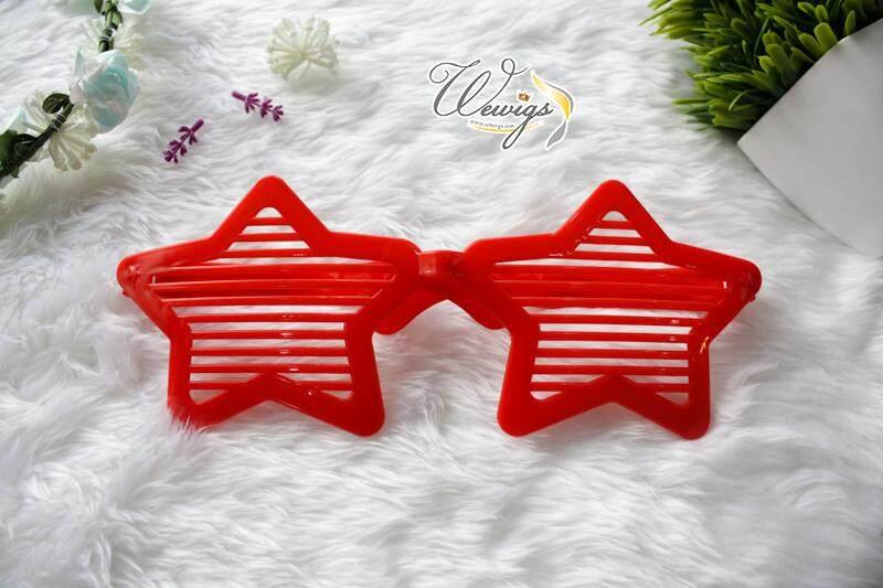 Fa108 แว่นตาแฟนซี สีแดง แว่นตาอันใหญ่ ขนาด 30 Cm.ลายดาว ใส่ไปปาร์ตี้ สร้างเสียงหัวเราะไม่มีเบื่อ By Wewigs Fancy.
