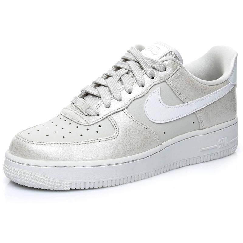 การใช้งาน  ประจวบคีรีขันธ์ Nike รองเท้าผู้หญิง Women s Nike Air Force 1  07 Low 896185-004 (Light Bone/Summit White/Metallic Summit White)  สินค้าลิขสิทธิ์แท้