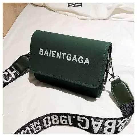 กระเป๋าสะพายพาดลำตัว นักเรียน ผู้หญิง วัยรุ่น เชียงราย กระเป๋าสะพายข้าง B70