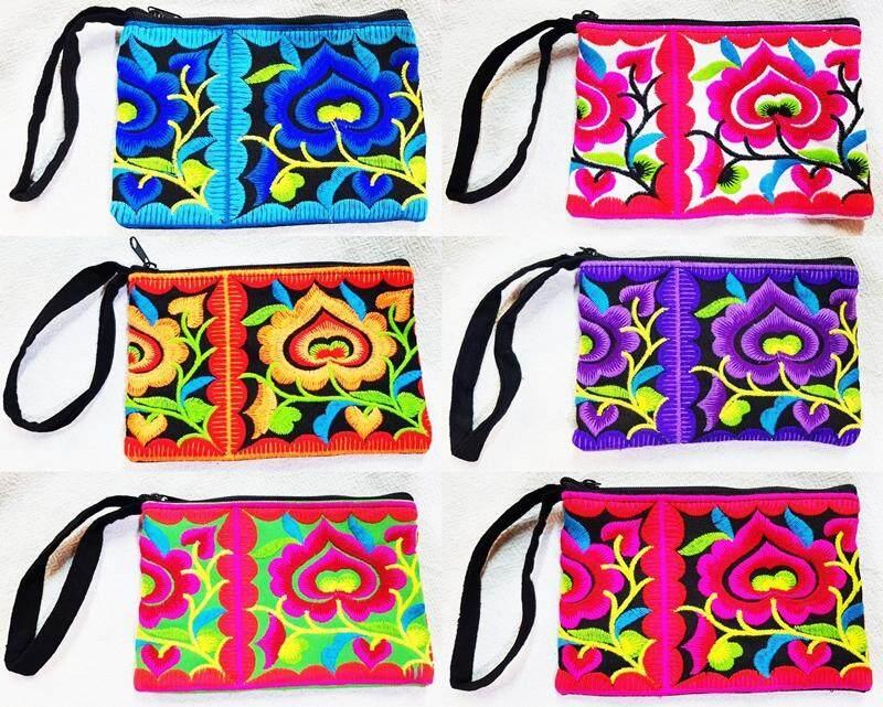 6 ใบ กระเป๋าใส่เหรียญ กระเป๋าใบเล็ก ปักลายดอก สีสันสวยงาม งานแฮนด์เมด กระเป๋าสตางค์คละสีกระเป๋าใส่เครื่องสำอางค์ 6 ชิ้น ใช้ได้ทุกโอกาส ของฝากของที่ระลึกจากเชียงใหม่ งานฝีมือ Handmade Bags.