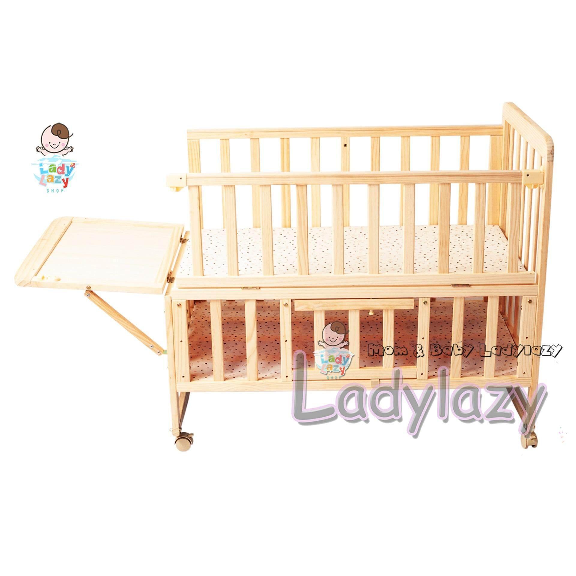 Ladylazyเตียงเด็ก เตียงนอนไม้เด็ก เข็นได้/โยกได้ พื้นเตียงปรับระดับได้ ทำจากไม้สนแท้ 100% By Ladylazy.