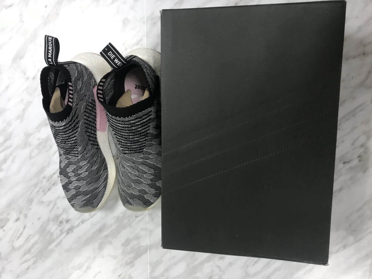 ยี่ห้อไหนดี  นครพนม ร้องเท้า Adidas NMD