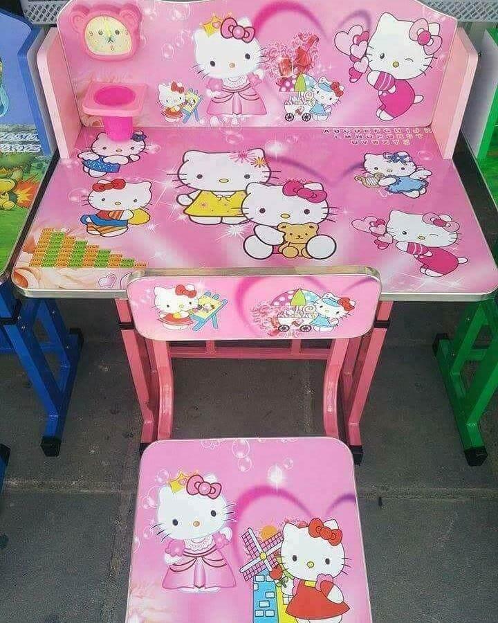 ลดสุดๆ โต๊ะทำการบ้านเด็กhello kittyส่งฟรีkerry