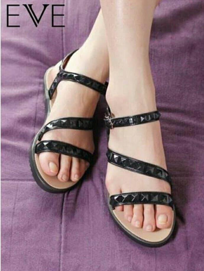 Eve รองเท้ารัดส้นสำหรับสุภาพสตรี.