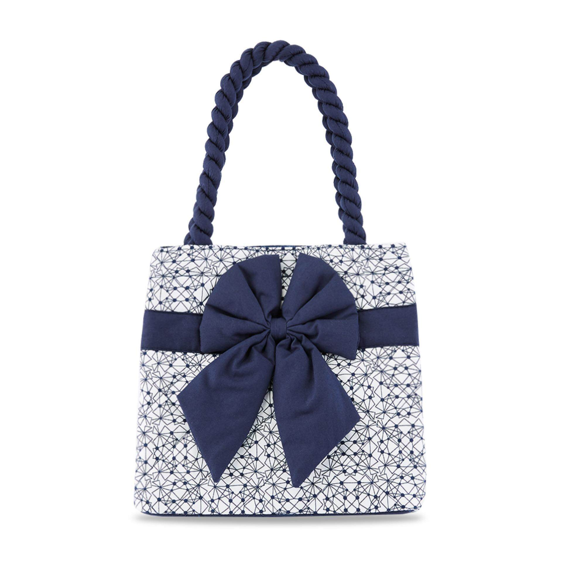 3104834d8047 รีวิว กระเป๋าถือ NaRaYa Geometric Printed Quilted with Bow ...