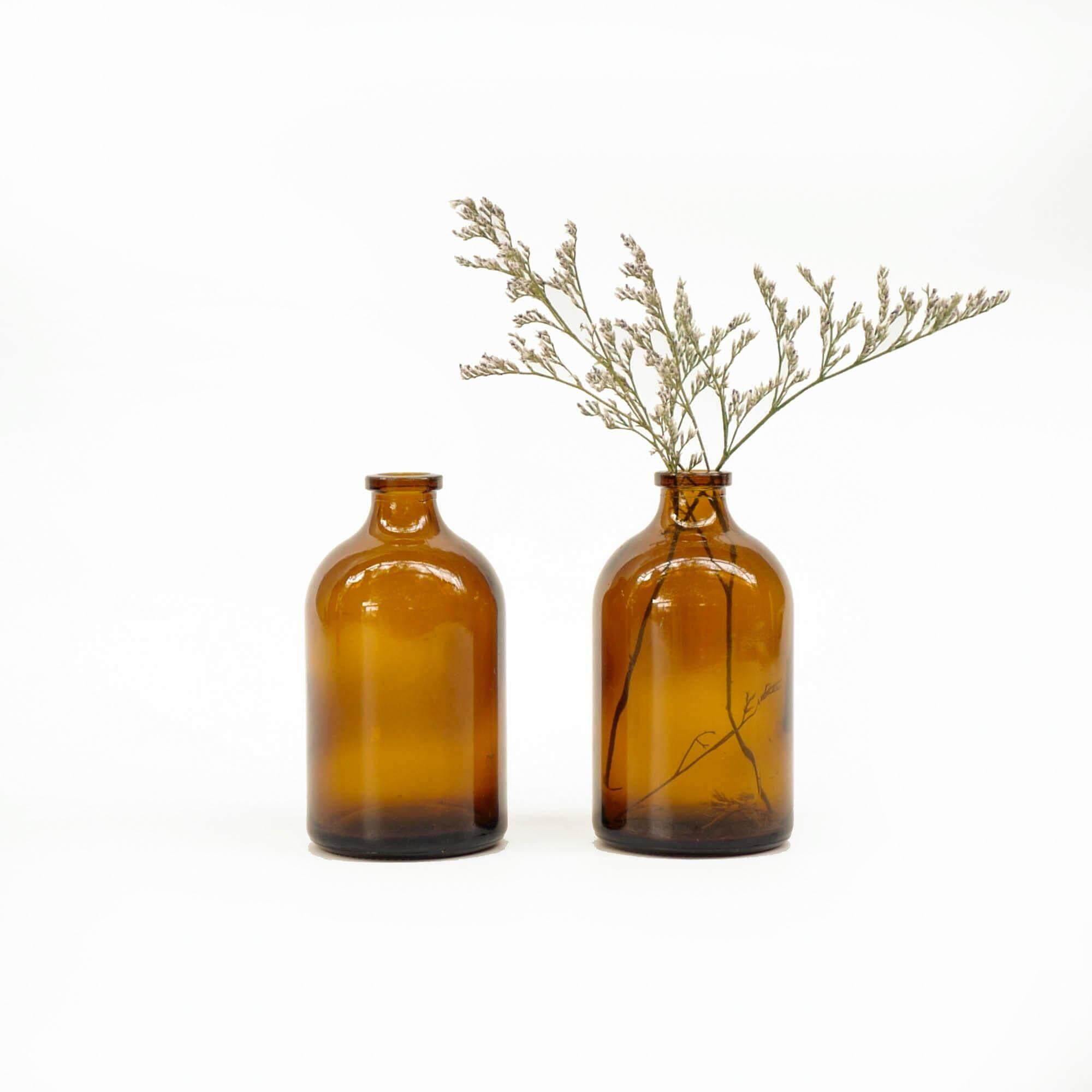 Homequarterbkk-Chubby Brown Glass Bottle 100ml+caspia สีน้ำตาล สีชา ทรงอ้วนกลม ขวด แก้ว แจกัน ที่ใส่ ดอกไม้ ตกแต่ง .