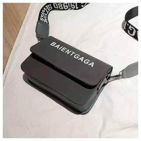 กระเป๋าสะพายพาดลำตัว นักเรียน ผู้หญิง วัยรุ่น ประจวบคีรีขันธ์ กระเป๋าเป้ เป้แฟชั่น กระเป๋าสะพายข้าง กระเป๋าสะพายไหล่ กระเป๋าถือ B70