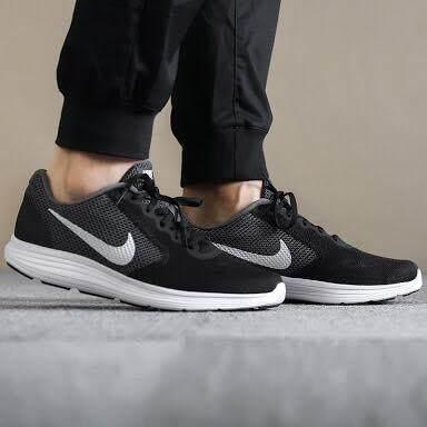 ขอนแก่น NIKE รองเท้าผ้าใบ ไนกี้ REVOLUTION JAPAN BLACK (รุ่นหนุ่มมาดเท่ห์) ++ลิขสิทธิ์แท้ 100% จาก NIKE พร้อมส่ง ส่งด่วน kerry++