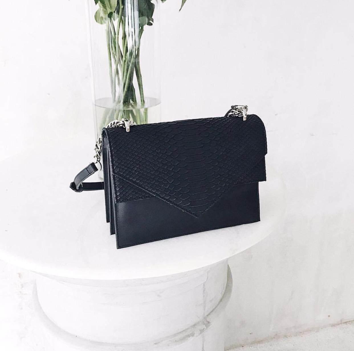 กระเป๋าเป้ นักเรียน ผู้หญิง วัยรุ่น ลำพูน TALLULAH Freya handbag