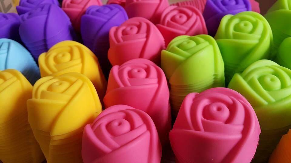 พิมพ์ซิลิโคนดอกกุหลาบ ขนาด 5 ซม (คละสี) 12 ชิ้น.