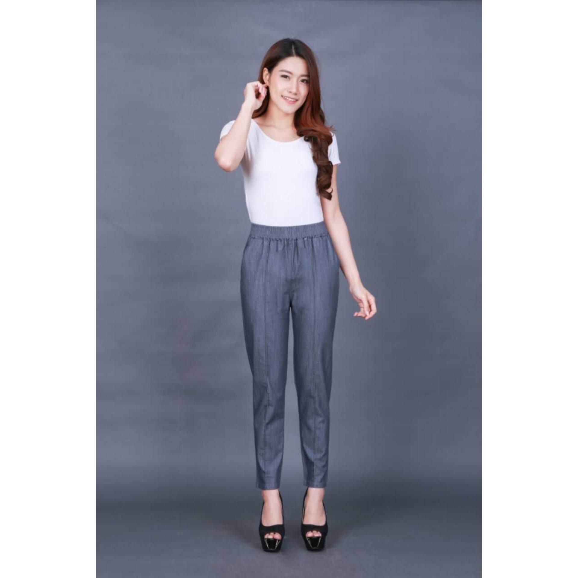 ขาย Baifa Shop เนื้อผ้าสวมใส่สบาย ออกแบบเป็นเอวยางยืด พร้อมกับเชือกผูก กางเกงมาพร้อมกระเป๋าข้าง ทั้งซ้ายและขวา รอบเอว 21 30 รอบสะโพก 34 38 นิ้ว รอบต้นขา 19 21 นิ้ว ความยาวกางเกง 33 นิ้ว Baifa