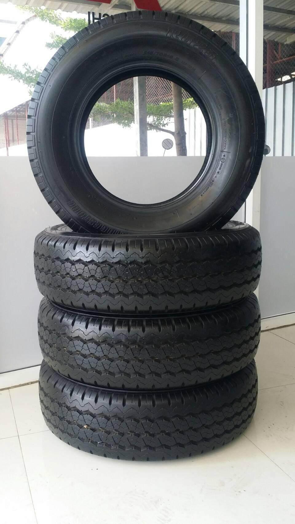 ประกันภัย รถยนต์ 2+ ยโสธร Bridgestone 215/70-15 R623 4 เส้น ปี 17 (ฟรี จุ๊บลมยาง 4 ตัว)