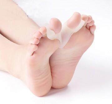 ซิลิโคนเจลคั่นนิ้วโป้ง ซิลิโคนถนอมนิ้วเท้า นิ้วชี้ นิ้วโป้ง ป้องกันนิ้วคด ผิดรูป ซิลิโคนปลอกนิ้วเท้าสำหรับบรรเทาอาการนิ้วโป้งคด ซิลิโคนสวมคั่นนิ้วโป้งกับนิ้วชี้