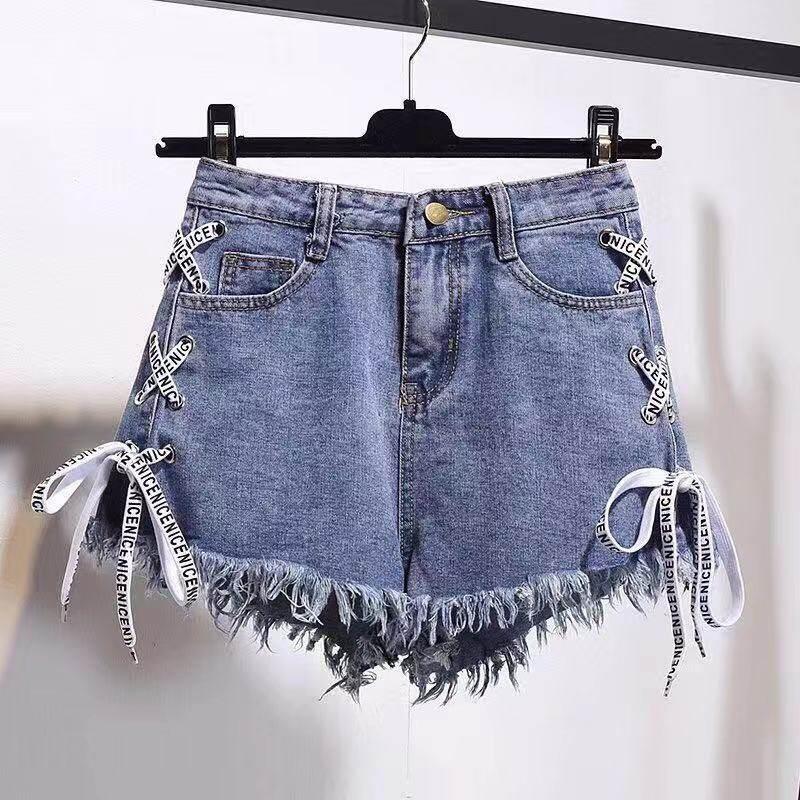 กางเกงยีนส์เอวสูง กางเกงยีนส์ขาสั้น กางเกงยีนส์ เเต่งเชือกด้านข้าง แบบซิปสวยๆ แต่งปลายรุ่ยๆงานเเฟชั่นทรงสวยเข้ารูป รุ่นJ949