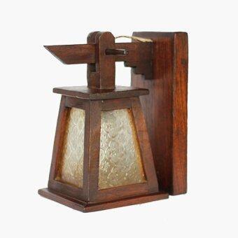 โคมไฟติดผนังทรงกระดิ่งสามเหลี่ยมติดกระจกสีขาว ไม้สัก (สีน้ำตาล)