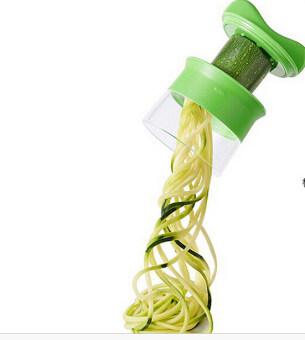 ในทางปฏิบัติเครื่องมือทำครัวแบบมือถือกระบอกฟังก์ชันที่ผัก และผลไม้ที่ปอกขูดวน