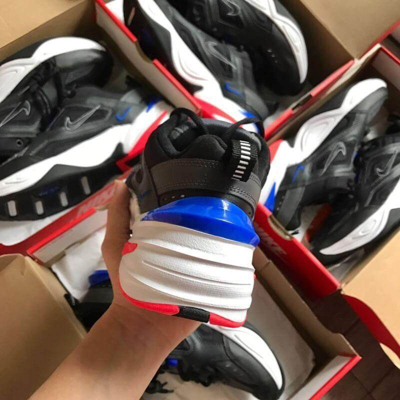 ยี่ห้อนี้ดีไหม  นราธิวาส รองเท้าผ้าใบ Nikeของแท้??พื้นแดง รุ่นนิยมสวยค่ะ