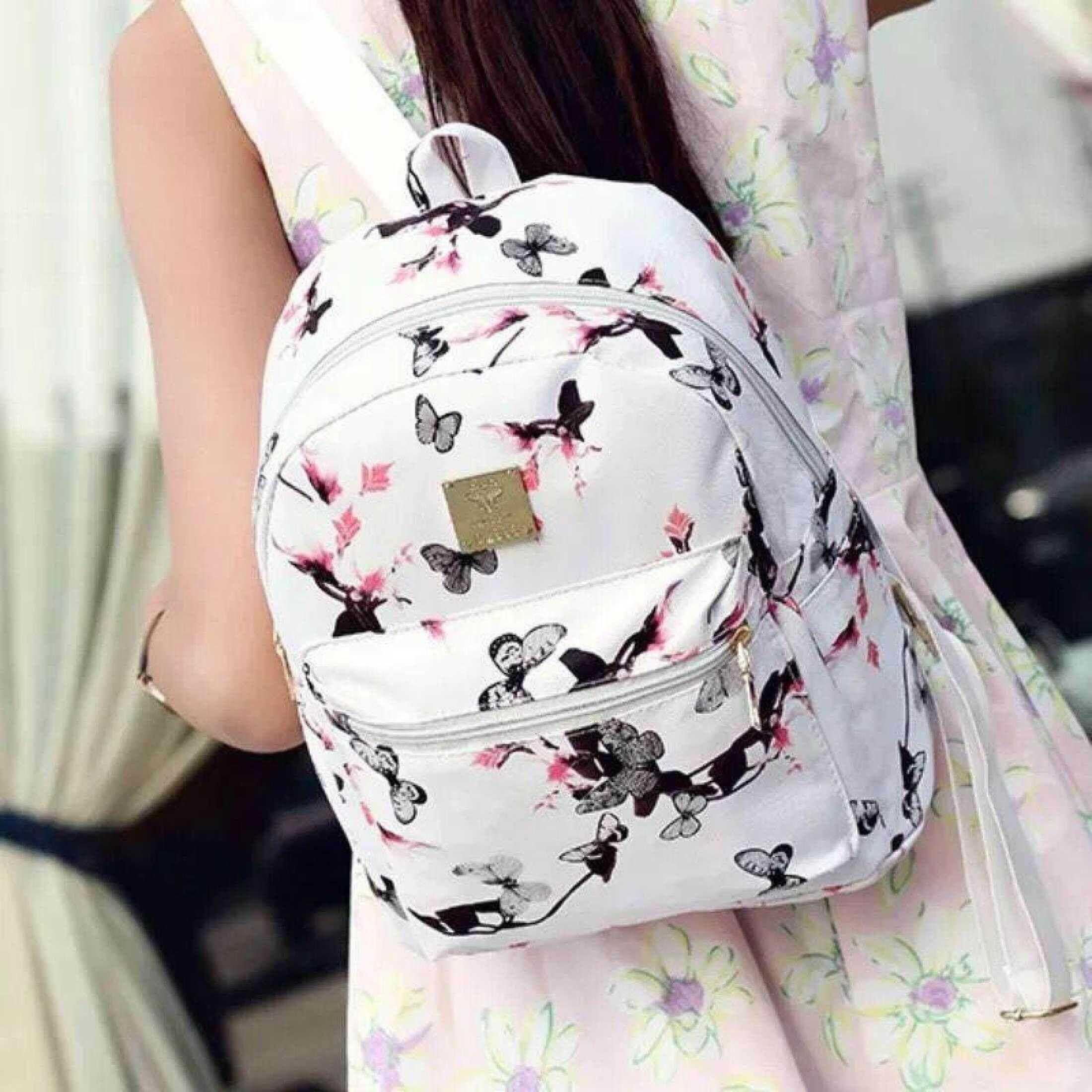 กระเป๋าเป้ นักเรียน ผู้หญิง วัยรุ่น เชียงใหม่ กระเป๋าเป้สะพายหลังแฟชั่น ลายนาฬิกา ทรงคลาสิค  สีดำ
