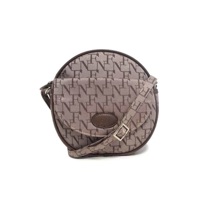 กระเป๋าเป้ นักเรียน ผู้หญิง วัยรุ่น ลำพูน FN BAG กระเป๋าสะพายพาดลำตัว Cross body&Shoulder Bag 1308 21107 066 Col Chocolate