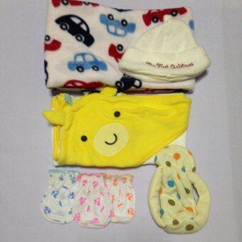 Set C ชุดเด็กแรกเกิดสุดคุ้ม ผ้าห่อตัวสีขาว+ผ้าห่มลายรถ+หมวกสีครีม+ซองใส่ขวดนมสีเขียวลายจุด+ถุงมือ 3 คู่