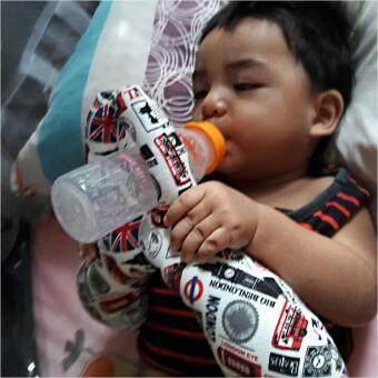 O-mom หมอนป้อนนม Hands Free Feeding Milk Bottle Holder หมอนช่วยจับขวดนม - ลายแรคคูน (image 2)