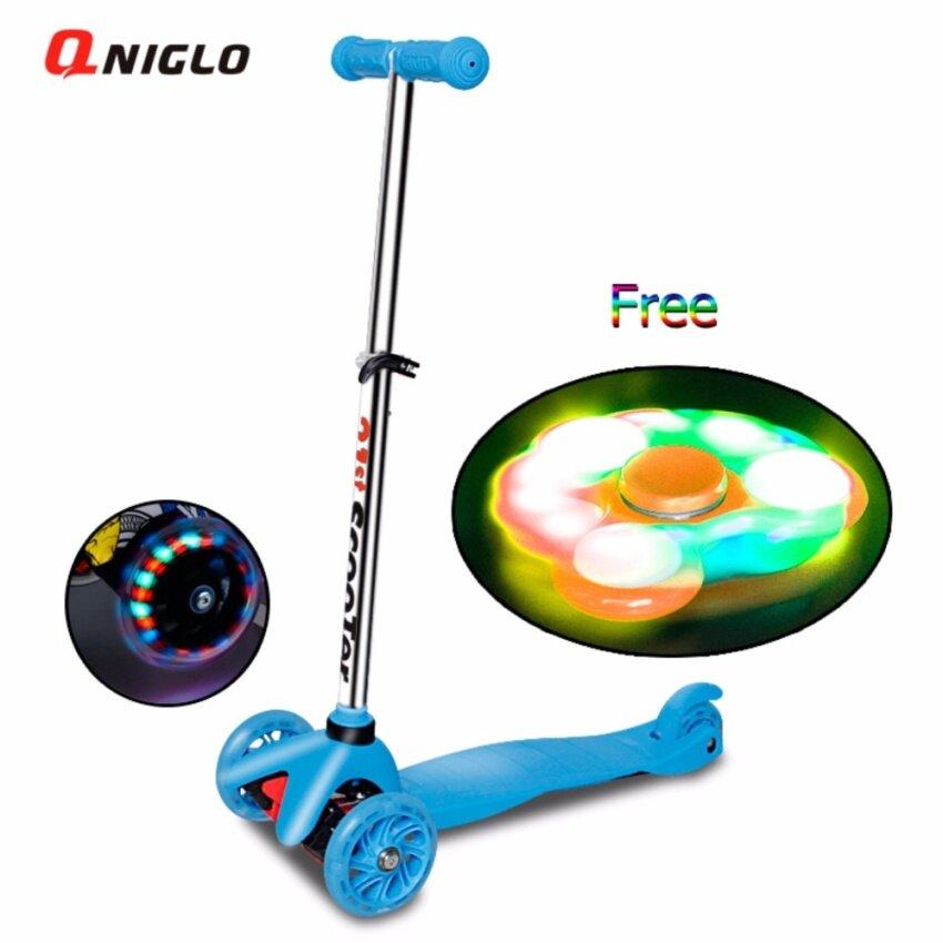 QNIGLO Toys พับเก็บได้ Four 4 Wheels สกูตเตอร์ with ล้อแฟลช+free fidget spinner Gyro