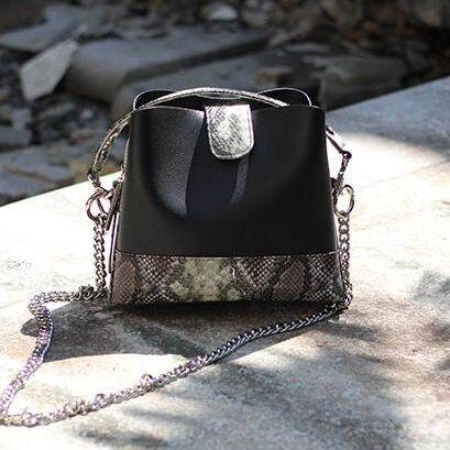 กระเป๋าถือ นักเรียน ผู้หญิง วัยรุ่น มหาสารคาม Gotcha Jane Bucket Bag Black สีดำ