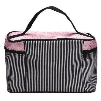 Coconie กระเป๋าเครื่องสำอางลายสี่เหลี่ยมโค้งสีดำจัดส่งฟรี - 3