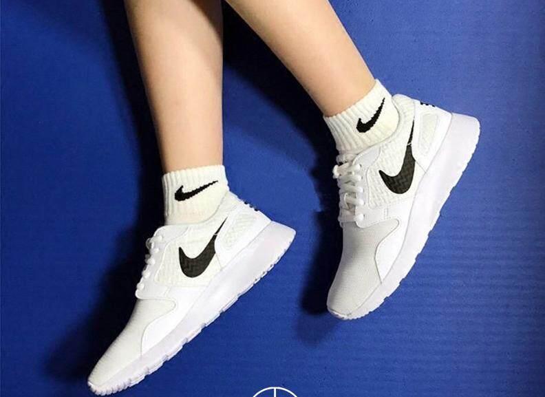 ลดสุดๆ รองเท้าผ้าใบสีขาว NIKE รองเท้ากีฬา หญิง ไนกี้ Kaishi Japan Classic White (รุ่นฮิตสาวเจแปน) ++ลิขสิทธิ์แท้ 100% จาก NIKE พร้อมส่ง ส่งด่วน kerry++