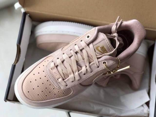 การใช้งาน  ตรัง รองเท้าผ้าใบ Nike รุ่นใหม่ ของแท้??