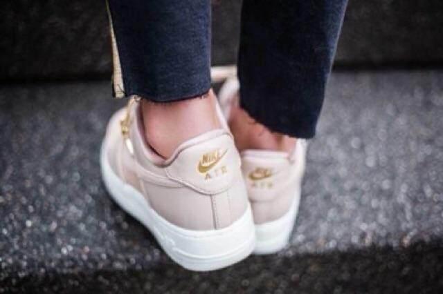 สอนใช้งาน  นนทบุรี รองเท้าผ้าใบ Nikeของแท้??รุ่นที่สาวๆชอบ??