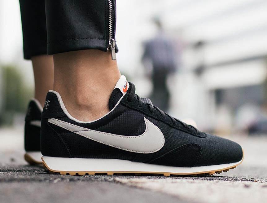รองเท้าผ้าใบ Nike รองเท้าวิ่ง ไนกี้  Pre Montreal Royal Black  นุ่มเบา สบายเท้า (รุ่นBest Seller) ++ลิขสิทธิ์แท้ 100% จาก NIKE พร้อมส่ง ส่งด่วน kerry++