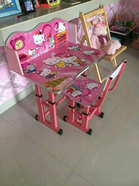 ลดสุดๆ โต๊ะเขียนหนังสือเด็กมาพร้อมลิ้นชักใต้โต๊ะ สีสันสดใสเด็กๆชอบ  พร้อมเก้าอีื ส่งด่วนkerry