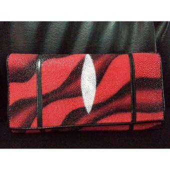 ประกาศขาย กระเป๋าถือยาว หนังปลากระเบนแท้ 1ตา สีแดงคาดลายน้ำสีดำ จำนวน 1 ใบ