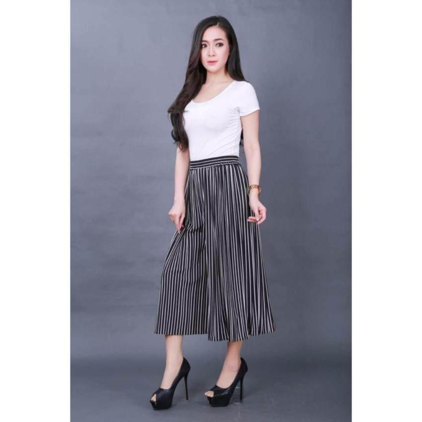 BAIFA SHOP    กางเกงพลีท ลายทาง น่ารักๆ ใส่สวยเหมือนแบบ ปลายขากางเกงบาน  น่ารักมักๆๆ มาก      ด้านหลังยืดหยุ่น      ขนาด(นิ้ว):เอว 26-34,ยาว31