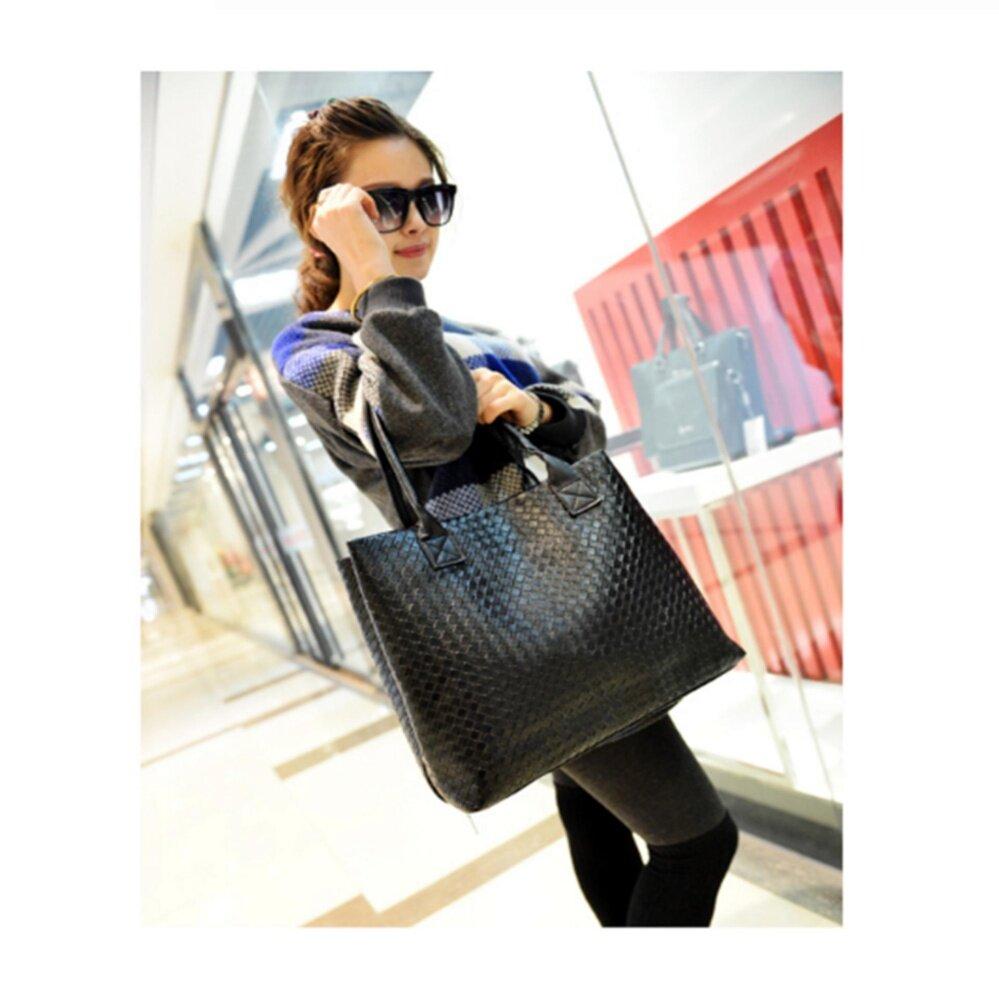 กระเป๋าเป้ นักเรียน ผู้หญิง วัยรุ่น บึงกาฬ Fashion Bag Fashion Women PU Leather Messenger Bag Handbag Shoulder Tote Bags Color FB-10002 Black