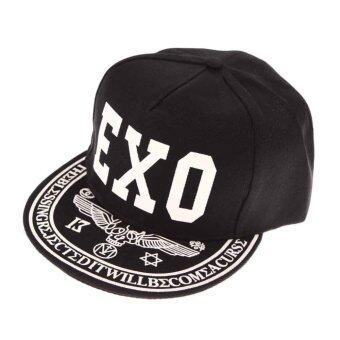ชายคนนี้ใส่หมวกเบสบอล Snapback เรืองฮิพฮอพกะบังหมวก EXO