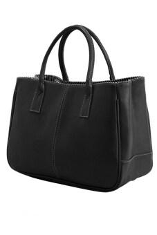 หญิงสาวจัดการเสื้อกระเป๋าหนัง pu สีดำ