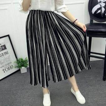 Phorn กางเกงอัดพลีทผ้าชีฟองลายทาง (ดำ-ขาว)