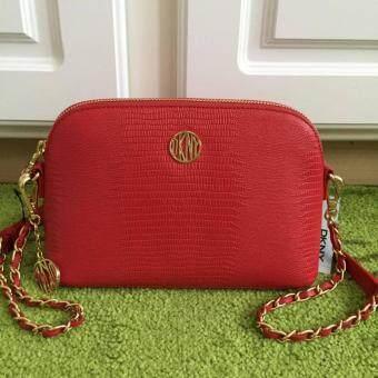 DKNY กระเป๋าสะพาย sutton lizard print leather สีแดง