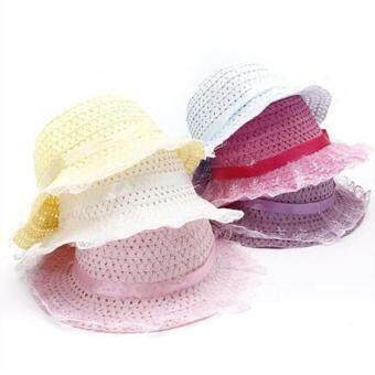พวกเด็กผู้หญิงสวมหมวกถักดอกไม้เด็กโหนขอบหมวกฟางแดดร้อนหาดทรายขาว