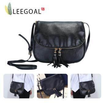 Leegoal ผู้หญิงกระเป๋าสะพายหนัง Pu มีพู่ห้อยกระเป๋าสะพาย สีดำ